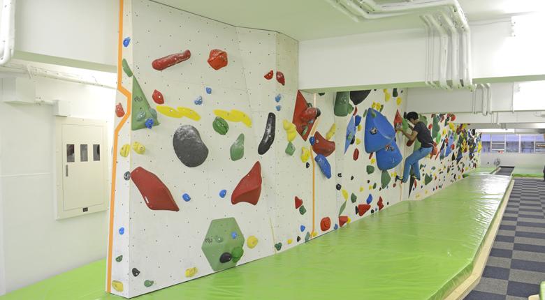 クライミング専用トレーニング施設「PUMP CLIMBER'S ACADEMY」が新宿にオープン