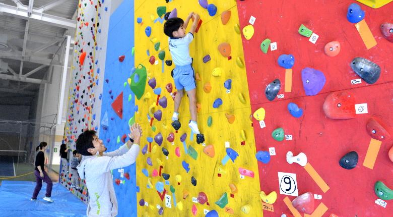 スポーツクラブ「athletic camp LION」でミニコンペ&体験会が開催。杉本怜らが講師役で登場