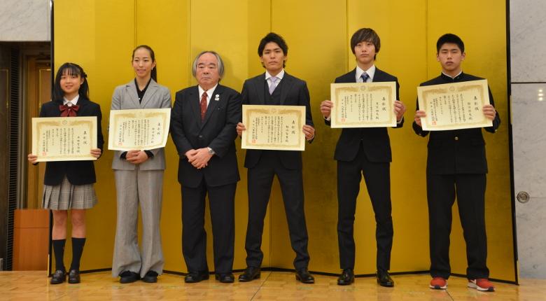 楢崎智亜、野口啓代らが2019シーズンの優秀選手賞を受賞