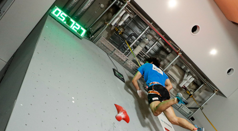 楢崎智亜の「5.72秒」。スピードクライミングで日本人初のメダル獲得も
